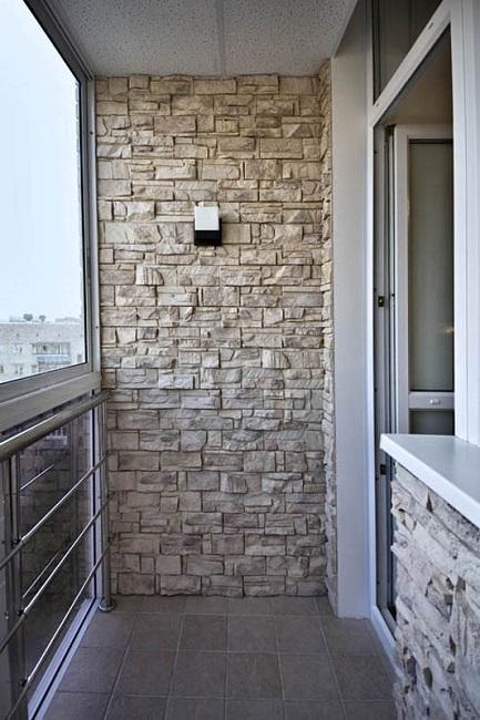 декоративный камень на панорамном балконе