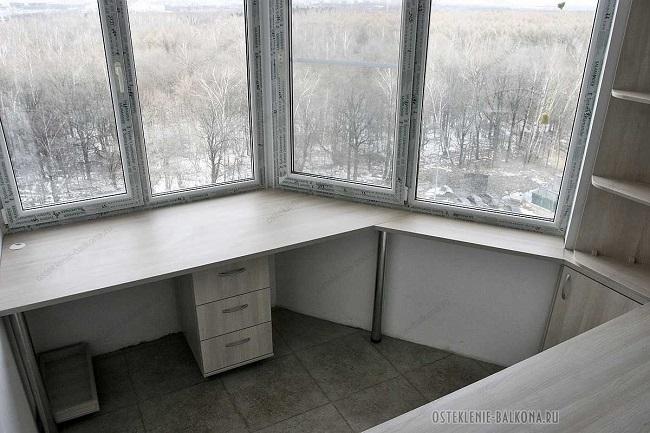 рабочая зона на балконе п 44 т
