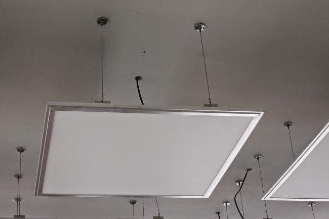 Светодиодные панели для потолка способы крепления на подвесах