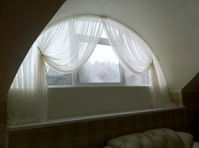 карнизы на арочные окна