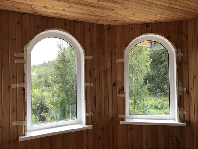 откосы на арочные окна из пластика