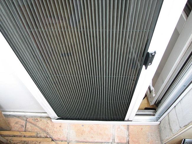 сетка плиссе на балконную дверь
