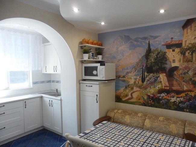 арка на выход с кухни на балкон