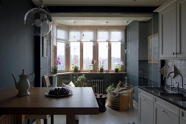 стеклянная перегородка на кухне с балкономкухня с