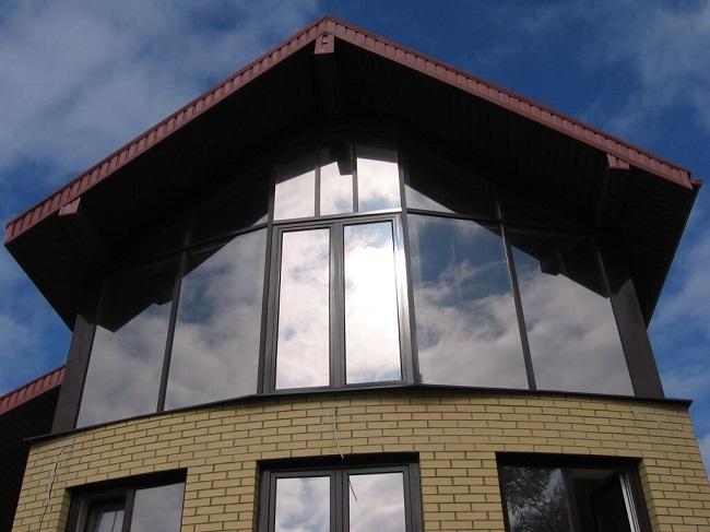 зеркальное витражное остекление частного дома