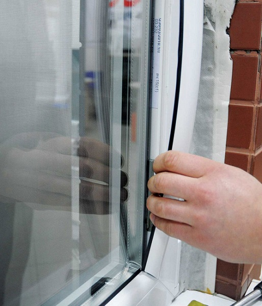 установка штапика пластикового окна