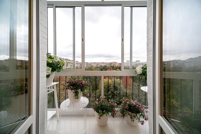 французское остекление балкона алюминиевым профилем