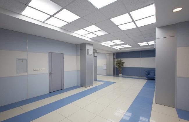 интерьер офиса гипсовиниловыми панелями