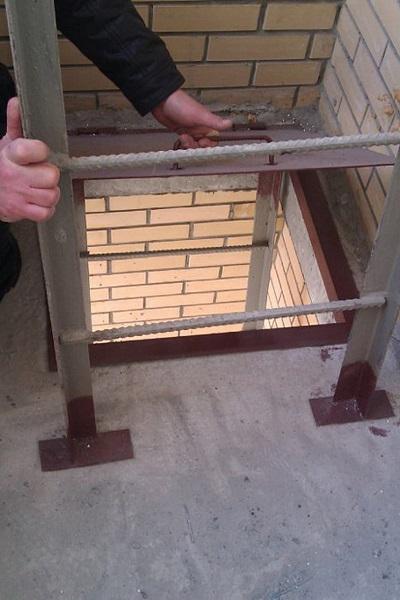 проверка люков на балконе