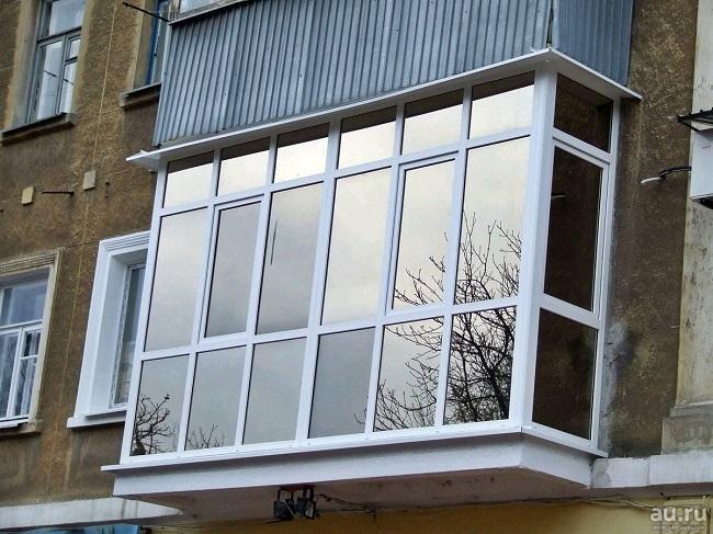 французское остекление балкона снаружи