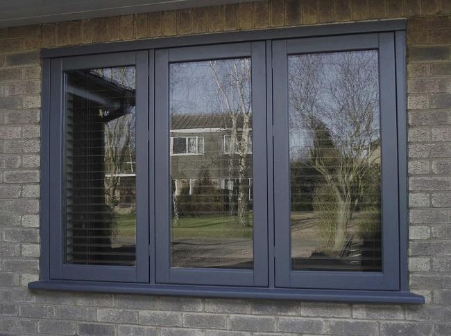 темно серый цвет окон сочетание с фасадом