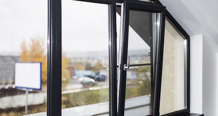 черные окна в интерьере дома