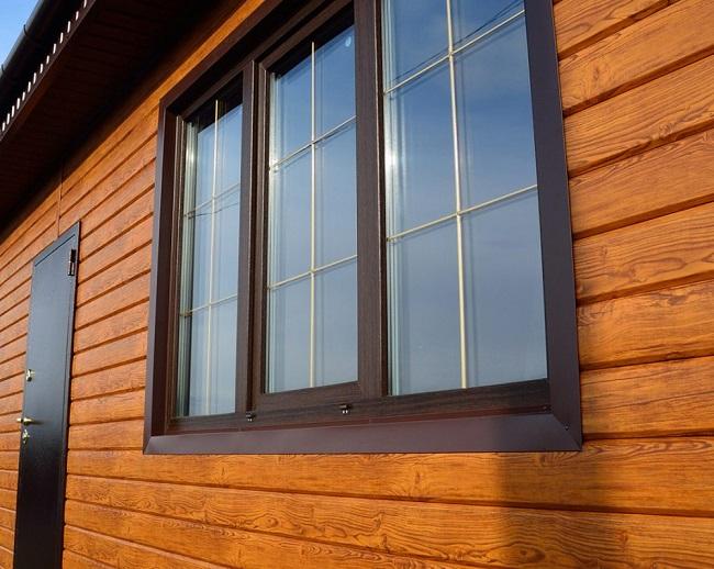 ламинированные пластиковые окна под фасад частного дома