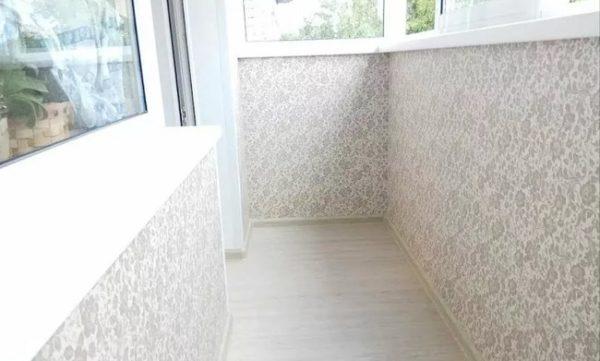 отделка балкона в хрущевке обоями
