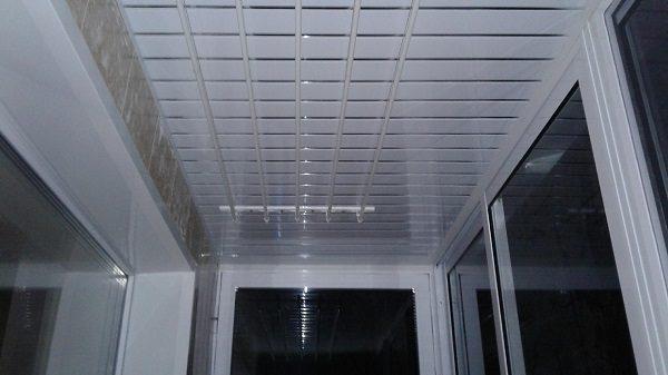 пластиковые панели для потолка на хрущевском балконе