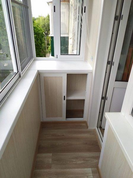 раздвижная встроенная тумба для хрущевского балкона