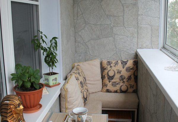 лаунж зона на хрущевском балконе