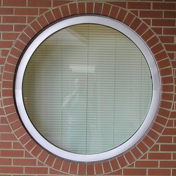 глухое круглое окно