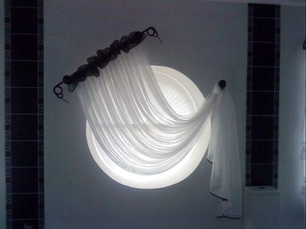 шторы и жалюзи плиссе на круглое окно
