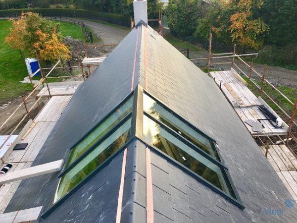 зенитный фонарь на коньке крыши