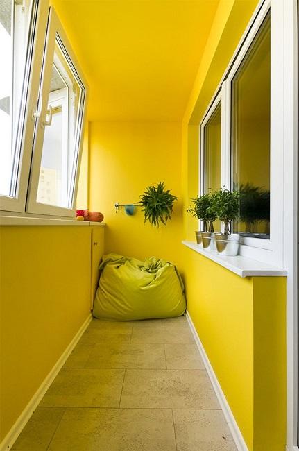краска на потолок балкона