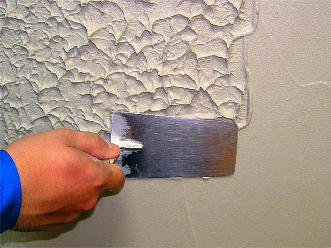 нанесение густой краски шпателем
