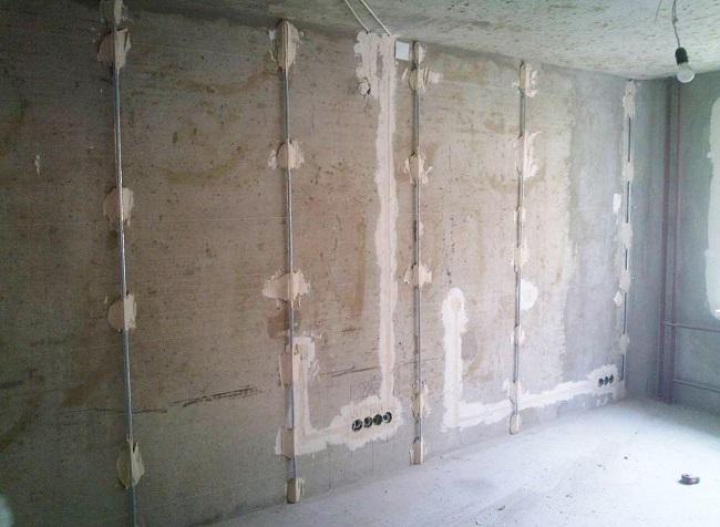 шпаклёвка стен по маякам
