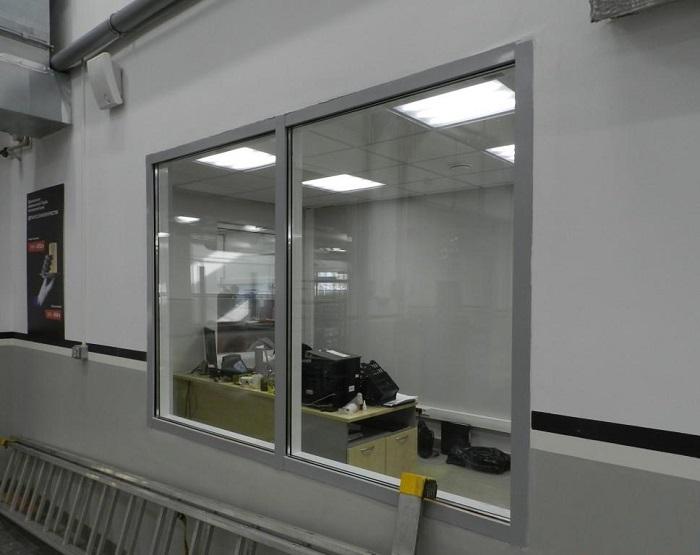 заводское алюминиевое противопожарное окно