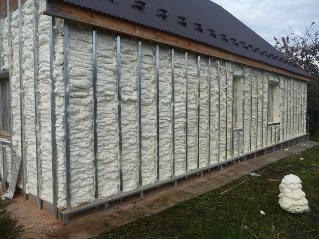 Утепление пеной ППУ вентилируемого фасада
