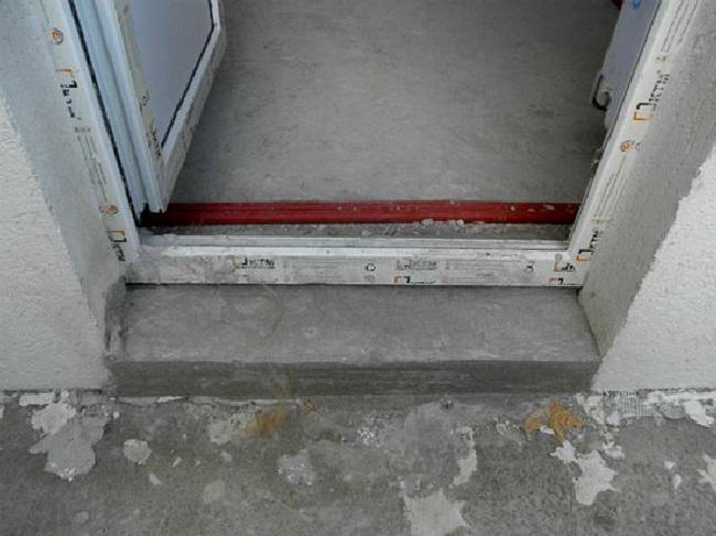 перепад порога и балконной плиты