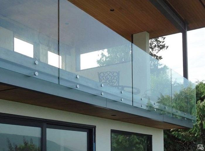 безрамное ограждение балконов