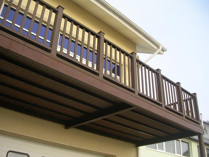 ограждения балкона из дпк поливуд