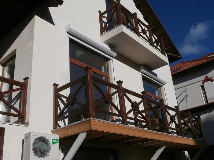 ограждения балкона из дерева