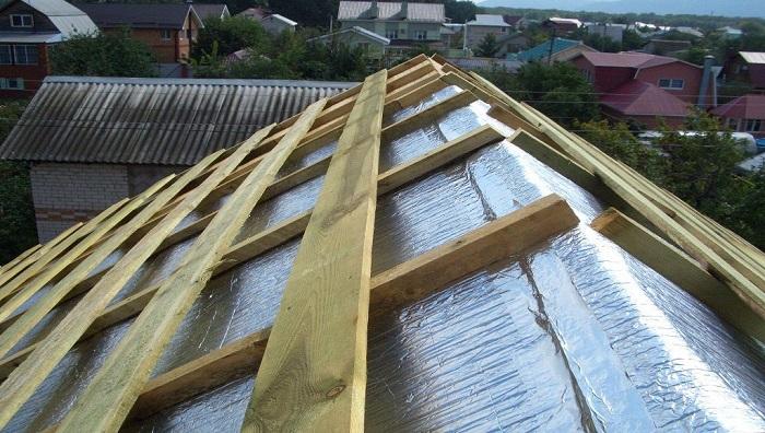 утепление и пароизоляция крыши фольгоизолом
