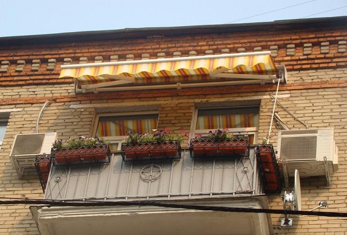 локтевая маркизы на балкон
