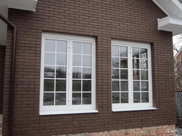 окна со шпросами для частного дома