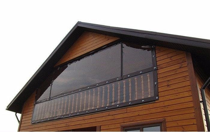закрываем балкон от дождя и снега мягкими окнами