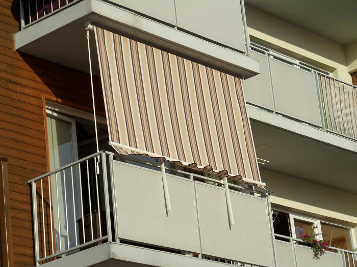 вертикальная маркиза на балкон