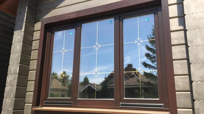 окна со шпросами для частного дома вид снаружи